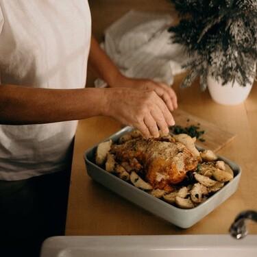 Pollo relleno para una Navidad o Año Nuevo en casa. Delicioso y fácil de preparar