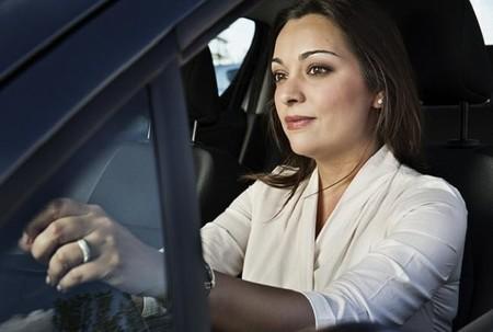 Conductora y seguros para el coche