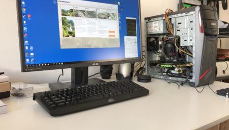 Equipo de pruebas de Xataka con la GTX 1080 Ti instalada