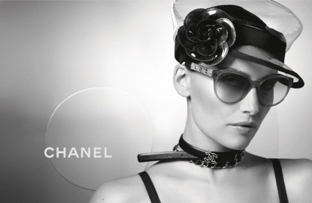 Laetitia Casta imagen de las gafas de Chanel