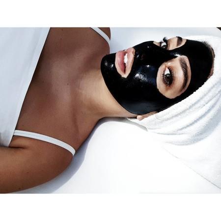 Tenemos las claves del Black Láser Tacha, el último tratamiento para una piel radiante de Blanca Suárez