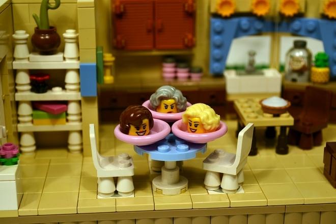 Foto de La versión LEGO de 'Las chicas de oro' (12/19)