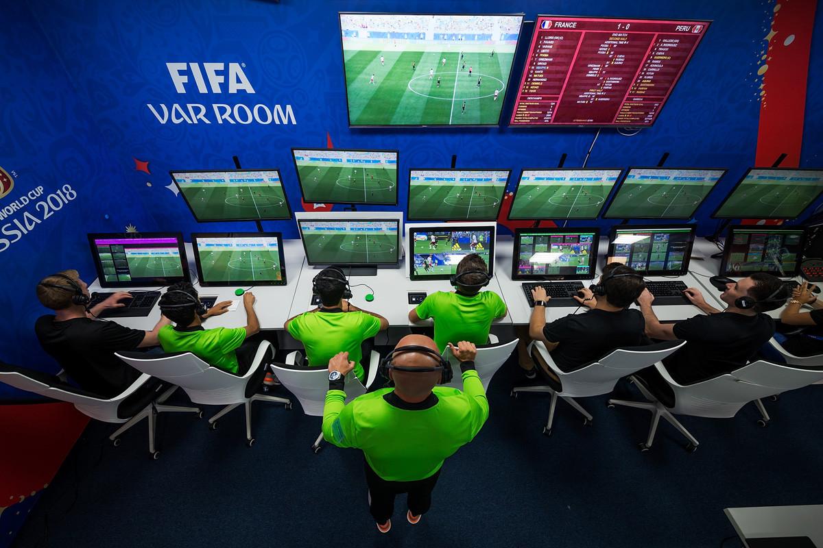 VAR: cuando ni la tecnología salva al fútbol de la polémica