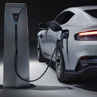 Ferrari, Lamborghini y otras marcas de superdeportivos tendrán que fabricar coches eléctricos en 2030 si quieren sobrevivir