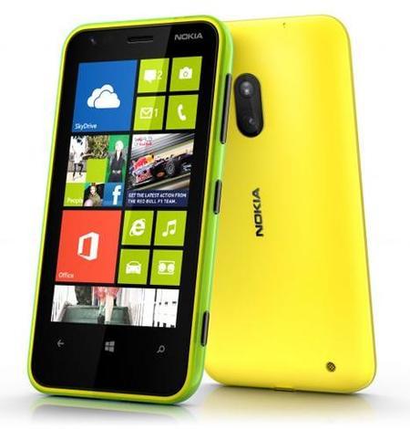 Nokia Lumia 620: 5 megapíxeles, flash LED y vídeo a 720p, a un precio asequible