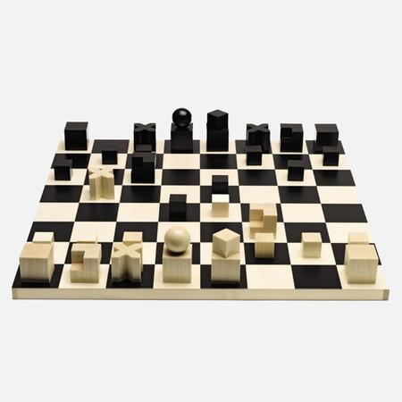 Josef Hartwig Chess Set Sq 1