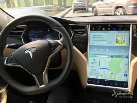 Nos hemos subido a un Tesla Model S y esto es lo que nos encontramos