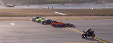 Vídeo: un Tesla, dos deportivos, una moto, un Fórmula 1 y dos aviones se enfrentan en esta curiosa drag race