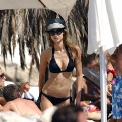 Foto 1 de 31 de la galería famosas-en-bikini-2009-segunda-parte en Poprosa
