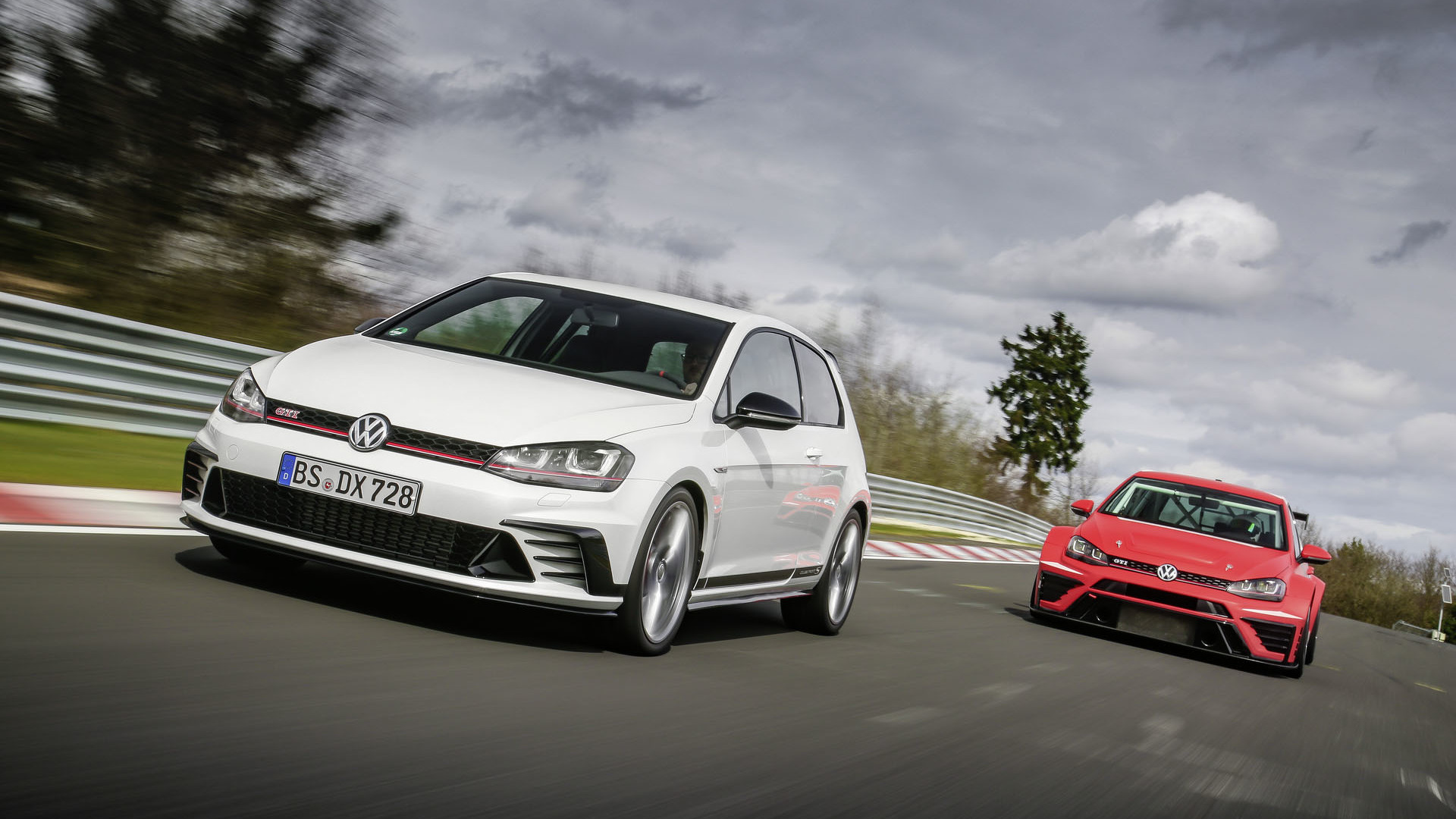 Foto de Volkswagen Golf GTI Clubsport S (25/36)