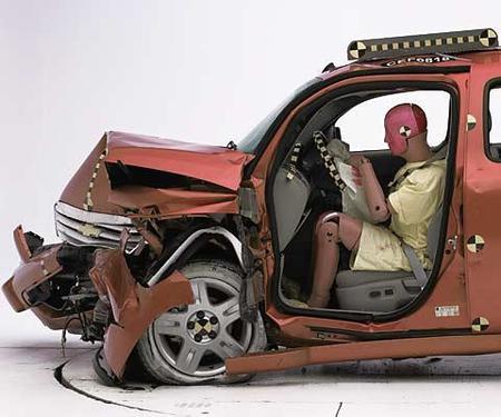 Chevrolet HHR - IIHS frontal