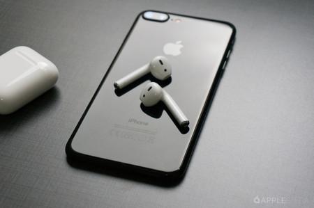 Cuando el iPhone puede ser el Air Power: así puede funcionar la carga bidireccional que planearía Apple