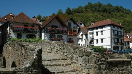 Nueve pueblos bonitos para disfrutar de la belleza y el romanticismo del otoño