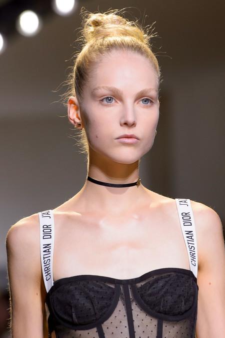 Clonados y pillados: el bustier más molón de Dior ya puede ser tuyo (gracias a Bershka)