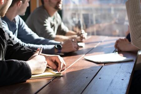 Cómo tomar notas en las reuniones: 9 herramientas y buenas prácticas