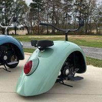 Reciclaje nivel: construir dos minimotos muy pintonas a partir de un viejo Volkswagen Beetle
