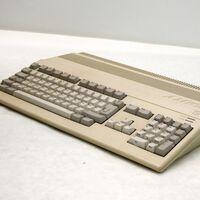 Vuelve el Amiga 500: Retro Games anuncia con un teaser su próxima réplica de microordenador clásico tras el Commodore 64 y el Vic20