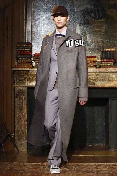 Valentino Fall Winter 2017 Paris Fashion Week 05
