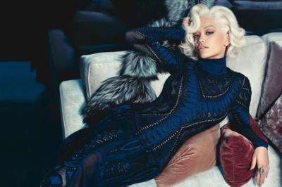 Si ya lo dijimos... Rita Ora imagen de Roberto Cavalli