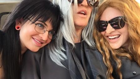 El día en que Khloé, Kendall y Kylie pasaron desapercibidas en pleno Hollywood Boulevard
