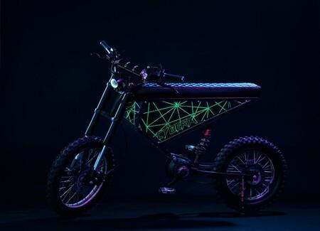 Xion Cyber X: una moto eléctrica psicodélica con 5 KW de potencia, por 3.230 euros