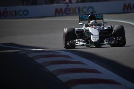 Hamilton se queda a 19 puntos de Rosberg tras la victoria en el GP de México de F1