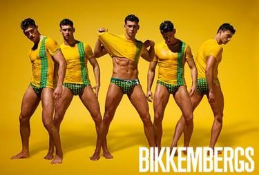 Bikkembergs o cómo intentar vender un lookbook sin apenas fijarse en la ropa