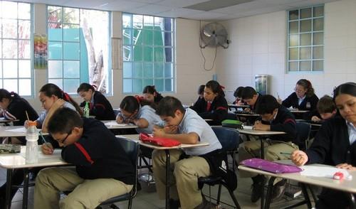 El smartphone, ese gran enemigo del aula de exámenes
