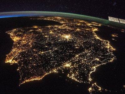 Cada año que pasa, la Tierra está un 2% más iluminada (artificialmente)