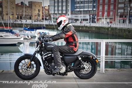 Harley-Davidson Sportster Iron 883, prueba (conducción en ciudad, carretera y autopista)