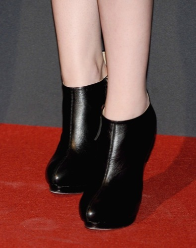 Kristen Stewart en la premiere de Crepúsculo: Luna Nueva en Madrid, zapatos