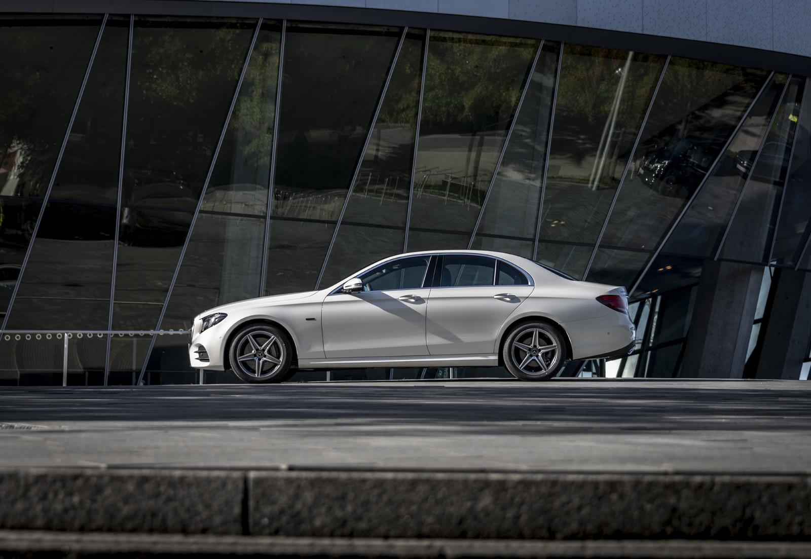 Foto de Mercedes-Benz E 300 de (presentación) (10/47)
