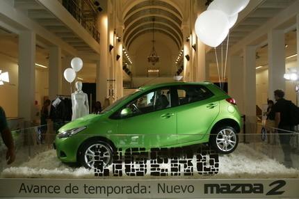 El nuevo Mazda2 se va a Cibeles