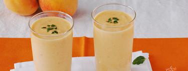 Smoothie o batido cremoso de melocotón y yogur: receta refrescante y nutritiva