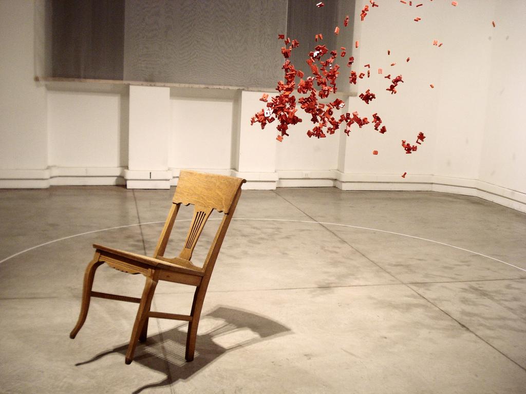 Trabaja en casa tus piernas con la ayuda de una simple silla - Trabaja en casa ...