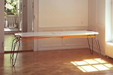 Crutch, patas portátiles para improvisar una mesa