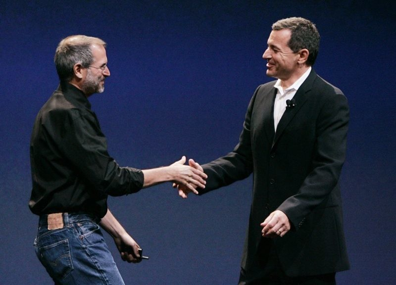 Bon Iger cree que Apple y Disney se habrían fusionado si Steve Jobs siguiese vivo