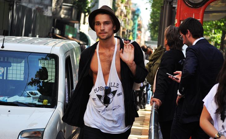 Foto de Los modelos siguen sueltos por Milán y París (II) (3/5)