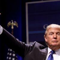 """""""Vota contra Trump y te enviamos un desnudo"""", esto es lo que propone una nueva campaña contra el político"""