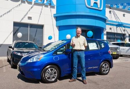 Matt Walton y su Honda Fit EV