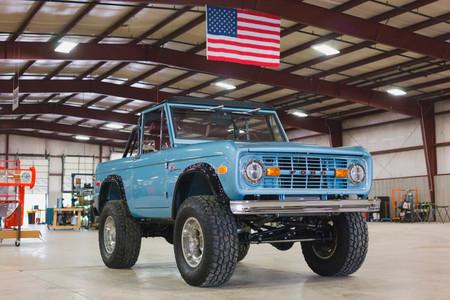 El Ford Bronco de primera generación volverá a producción con el motor 5.0 V8 del Mustang
