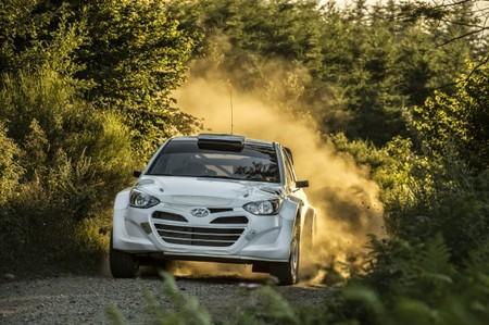 Mikko Hirvonen y Mads Østberg en conversaciones con Hyundai