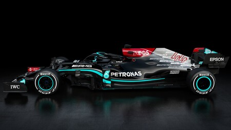Mercedes F1 2021 3