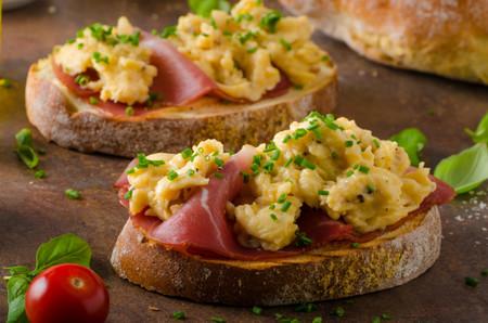 Tosta de Huevos revueltos