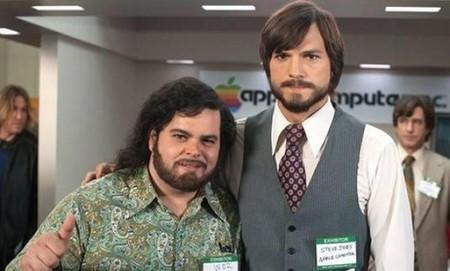 Josh Gad y Ashton Kutcher en