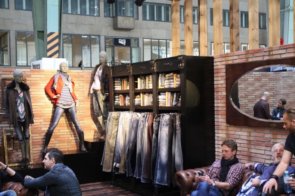 Foto de Bread & Butter Invierno 2010: Desigual, Pepe Jeans, BOSS Orange, moda denim (21/29)