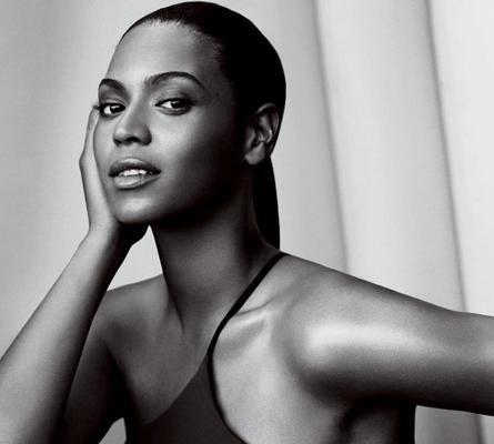 La mujer con curvas y look natural triunfa esta primavera: Beyoncé para Vogue USA