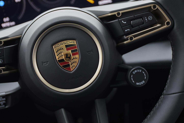 Foto de Porsche Taycan prueba contacto (180/275)