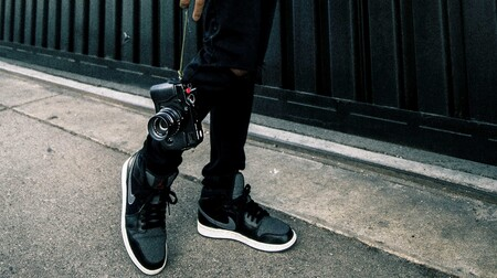 Siete pares de zapatillas negras que recién llegan a ASOS para pisar fuerte este otoño