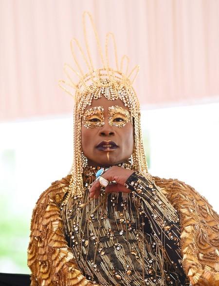 Billy Porter roba miradas con su look de inspiración egipcia en la MET Gala de Nueva York